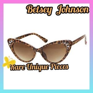 Authentic Betsey Johnson Leopard Sunglasses